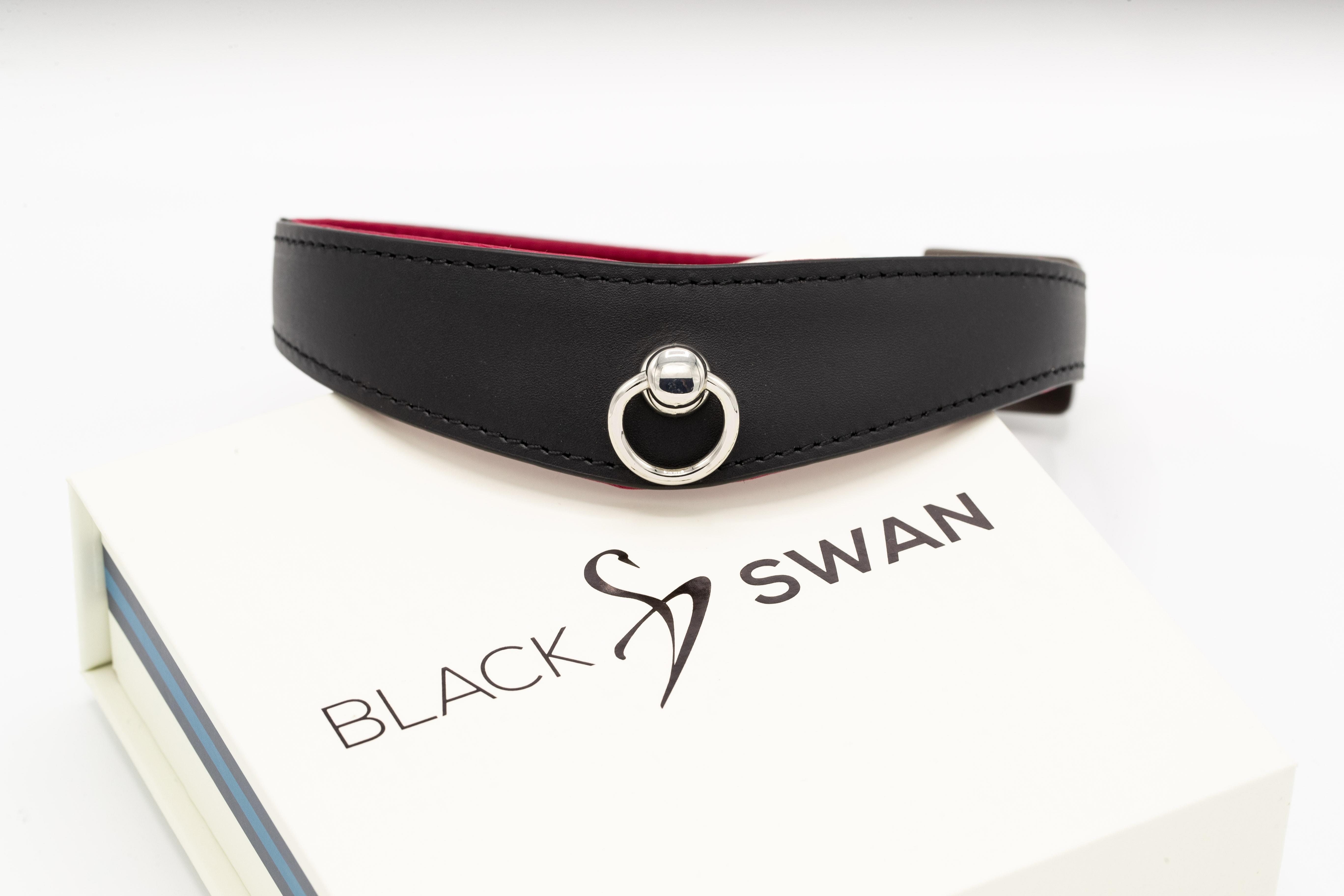 Black Swan COLLAR Black Berry